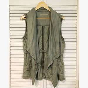 Light khaki green vest Max Jeans Size Large
